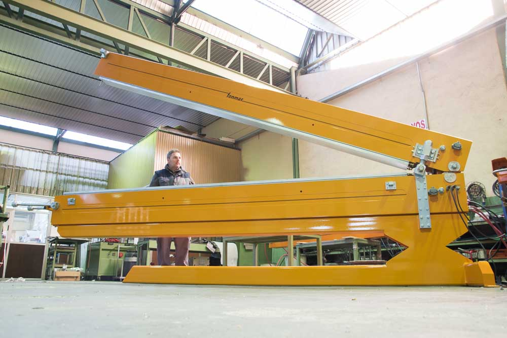 Alfa AR - Presses for PVC/PU Conveyor Belts - Workshop